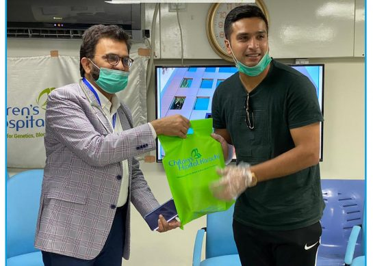 Yahya Jafri donates Plasma to Children's Hospital Karachi.