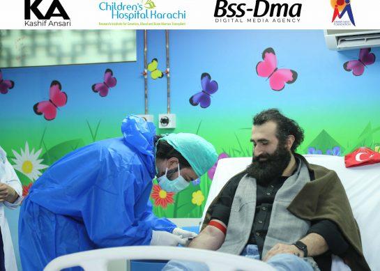 Turkish actor Celal Al gives blood for thalassemic children in Karachi