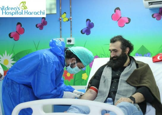 Turkish actor Celal Al gives blood for thalassemic children in Karachi